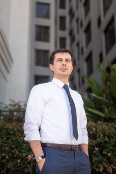 Pete Buttigieg, the young and openly gay Midwest mayor, finds a voice in crowded Democratic presidential field - The Washington Post Matchbox Twenty, People Running, Country Music Singers, Blake Shelton, Theo James, Running For President, Paul Mccartney, Lgbt, The Voice