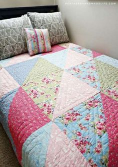 Anne of Green Gables quilt {Heather's Handmade Life}You can find Quilt patterns and more on our website.Anne of Green Gables quilt {Heather's Handmade Life} Beginner Quilt Patterns, Quilting For Beginners, Quilt Block Patterns, Patchwork Patterns, Sewing Patterns, Fat Quarter Quilt Patterns, Vintage Quilts Patterns, Antique Quilts, Sewing Ideas
