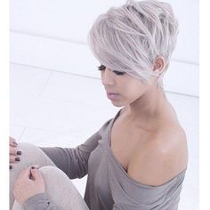 Short Haircuts for Women with Round Faces Love, Love, Love ❤️ this short pixie cut with long side bangs.Love, Love, Love ❤️ this short pixie cut with long side bangs. Short Pixie Haircuts, Pixie Hairstyles, Short Hairstyles For Women, Pretty Hairstyles, Hairstyle Ideas, Wedding Hairstyles, Hairstyles 2016, Short Asymmetrical Hairstyles, Asymmetrical Pixie