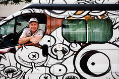 Ricardo Grijó promoveu um concurso de ilustração para decorar os veículos da frota West Coast Campers. Os vencedores tiveram direito a um fim-de-semana à borla