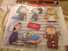 NEW-SEALED-Peanuts-Christmas-Nativity-Window-Clings-Snoopy-Woodstock-Linus #ebay #endingsoon #kenblackcat