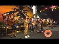 After 41 Years, Jimmy Buffett Reveals Secret Inspiration Behind 'Margaritaville' Music Pics, Music Videos, Jimmy Buffett Concert, Beach Songs, Greatest Country Songs, Jimmy Buffett Margaritaville, Beach Reading, Billy Joel, Kinds Of Music