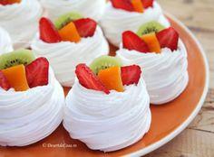Mini Pavlova cu Fructe Pavlova