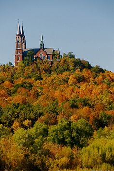 Looking for great hiking trails? Explore the Ice Age Trail in Wisconsin through Holy Hill, Table Bluff, Straight Lake and beyond. Find hiking info here!