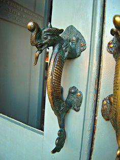 unusual door knobs