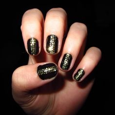 Gold Glitter Stripe - I think I'd like to do this with red glitter