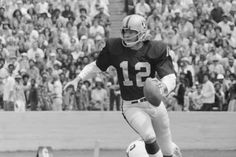 Ken Stabler, Former Raiders and Alabama QB, Dies at Age 69