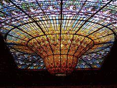 Resultado de imagem para arte gotica vitrais