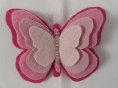 There are so many things to do with this adorable felt butterfly craft! Attach to hair Butterfly Felt, Butterfly Crafts, Felt Butterfly Pattern, Hobbies And Crafts, Diy And Crafts, Crafts For Kids, Felt Diy, Felt Crafts, Felt Christmas Ornaments
