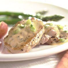La carne magra del lomo de cerdo y la leche evaporada descremada hacen que este sabroso plato al sar...
