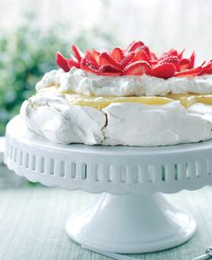 Strawberry and Lemon Curd Pavlova recipe Perfect treat for my husband to come home to. Light and fruity :)