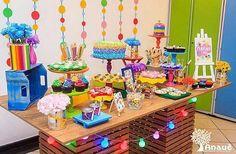 Lindo colorido pra pintar o sete. #Repost @fofsdesign ・・・ Agora uma festa linda e bem colorida, com nossa papelaria, produzida pelas meninas da @anaue_eventos com o tema de Artes. Obrigada pela confiança.  #fofsdesign #festainfantil #scrapfesta #scrapdecor #scrapparty #paperparty #decoraçãodefestas #papelariapersonalizada #papelariadefesta #festaartes #temaartes #temaaquarela #festaaquarela #festacolorida #partycolor #colors #paintparty #temacolorido
