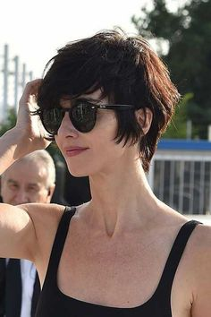 You'll see examples of layered pixie haircut, soft messy pixie cut, blonde pixie hairstyles on this gallery. Here are 50 Best Pixie Haircuts to choose best. Brünetter Pixie, Short Pixie, Shaggy Pixie, Short Wavy, Boho Hair Short, Short Cut Hair, Edgy Pixie, Really Short Hair, Short Bobs