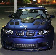 BMW E87 1M blue