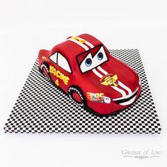 McQueen Car Cake #birthdaycake #birthday #mcqueencarcake #mcqueen #car #cake #car #cakedecoration #cakedecorating #cakedesign #gateauxoflove