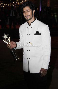 Vidyut Jamwal at Stardust Awards 2012 Real Hero, My Hero, Amazing People, Good People, India People, My Man, Bro, Chef Jackets, Bollywood