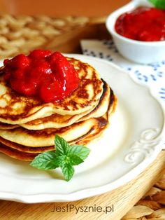 Delicious american buttermilk pancakes are so easy to make...