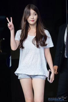 Iu jpop, korean, and kpop image Iu Fashion, Korean Fashion, Korean Beauty, Asian Beauty, Get Skinny Legs, Jennie Blackpink, Girl Body, Korean Actresses, Beautiful Asian Girls