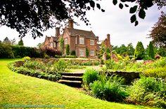 looks nice. otherside stourbridge. Dunsley Hall Wedding Pictures | Hotel