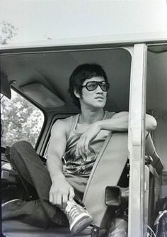 A chill Bruce Lee