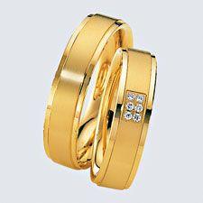 Verighete din aur galben cu briliante. Cu interiorul bombat, pentru un confort maxim la purtare. Love Bracelets, Cartier Love Bracelet, Bangles, Gold Rings, Saints, Rose Gold, Interior, Jewelry, Cushion Wedding Bands