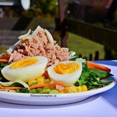 Salát s tuňákem a kukuřicí
