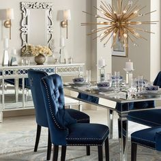 How do you feel about mirrored furniture - Living Room Design Ideas 2019 Diy Home Decor Esstisch Design, Luxury Dining Room, Dining Table Design, Dining Tables, Mirrored Furniture, Décor Boho, Dining Room Inspiration, Style Inspiration, Elegant Dining
