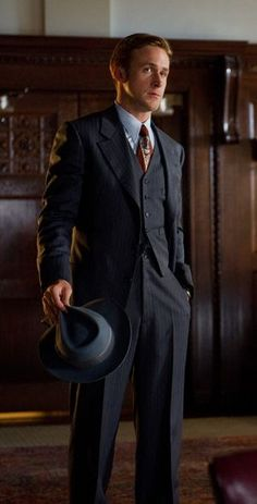 Gentleman style 332281278748847826 - gangster squad style Source by Gangster Suit, Gangster Style, 1940s Fashion, Vintage Fashion, Mens Fashion, Fashion Outfits, Ryan Gosling Style, Ryan Gosling Suit, 1920s Gangsters