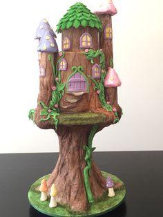 Fairy tree house cake inspired by rosiecakediva. Fairy Tree Houses, First Communion Cakes, Paris Cakes, Fantasy Cake, Horse Cake, Harry Potter Cake, Book Cakes, Character Cakes, Disney Cakes