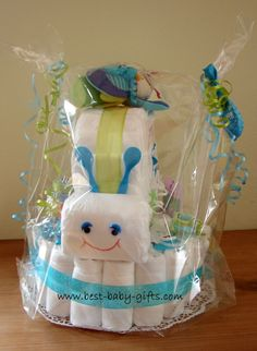 Make a cute diaper snail and create a one of a kind homemade baby gift! Step-by-step instructions and lots of photos complete this easy baby crafts project.