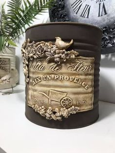 Clay Mold Appliques for Tin Can Planters: A Vintage Craft - Unique Balcony & Garden Decoration and Easy DIY Ideas Soda Can Crafts, Crafts To Make, Decoupage Vintage, Vintage Crafts, Bottle Art, Bottle Crafts, Tin Can Art, Recycle Cans, Iron Orchid Designs