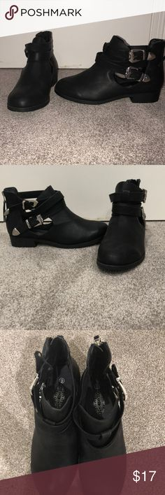 30e062884d1ab Shop Women s Charles Albert Black size 9 Ankle Boots   Booties at a  discounted price at Poshmark. Description  black ankle boots