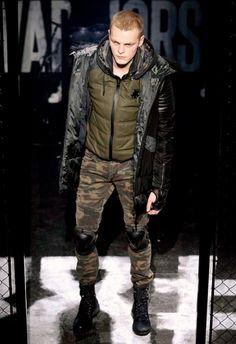 Philipp Plein • MMU FW 2015/2016 • Camera Nazionale della Moda Italiana Mens Fall, Fall Winter 2015, Military Jacket, Winter Jackets, Fashion, Italian Fashion, Winter Coats, Moda, Field Jacket