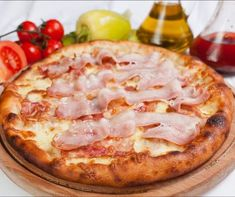 Bacon Pizza, Hawaiian Pizza, Winter Food, Baked Goods, Food And Drink, Lunch, Baking, Kitchen, Recipes