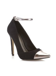 I love that the cap toe and the ankle strap match.