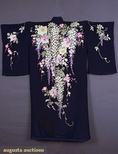 Chinese Embroidered Kimono Robe, C. Augusta Auctions, May 2007 Vintage Clothing & Textile Auction, Lot 363 Chinese Embroidery, Sashiko Embroidery, Embroidery Kits, Shirt Embroidery, Embroidery Stitches, Embroidery Designs, Vintage Outfits, Vintage Fashion, Vintage Clothing