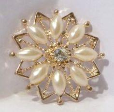 Chaton de pérolas e cristais Rose Pearl
