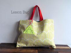 「こどもあつかいしないで!」をテーマにこどもっぽくないこどものLesson bagを作りましたリバーシブル仕様の1点ものです42cm×31cmしま...|ハンドメイド、手作り、手仕事品の通販・販売・購入ならCreema。