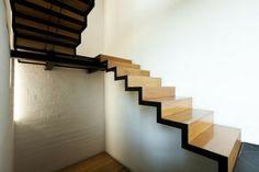 diseño escaleras madera estilo moderno