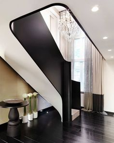 Kelly Hoppen is one of greatest interior design inspirations of all times. We have selected 10 Kelly Hoppen Interior Design Ideas to inspire you, enjoy! White Staircase, Interior Staircase, Modern Staircase, Staircase Design, Interior Architecture, Staircase Architecture, Luxury Staircase, Staircase Ideas, Best Interior Design