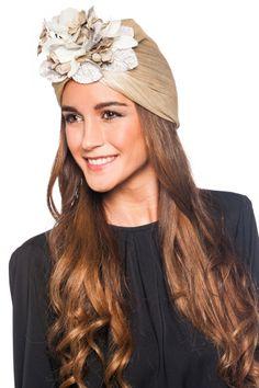 Turbante Nude Turbans, Fascinator Hats, Fascinators, Headpieces, Head Turban, Cocktail Hat, Turban Style, Headpiece Wedding, Elegant Outfit