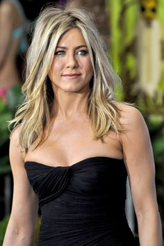 thinking of cutting my hair like this when my chop job grows out.