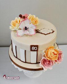 Hat box cake by Naike Lanza