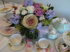 Teacups & Lilacs. The perfect match.