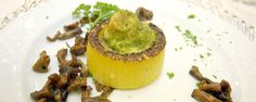 Hotel Terme - Cocofungo: Canapè di polenta con crema ai porcini e capasanta gratin.