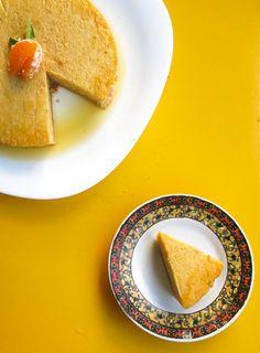 Úmido e rico em sabores, é mais sobremesa que bolo, feito para ocasiões especiais.