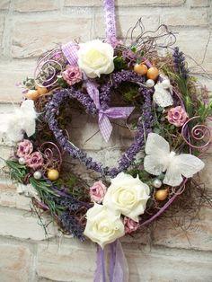 Türkranz mit Lavendelherz,weiß-flieder,Landhaus von ...die mit den Blumen tanzt... auf DaWanda.com