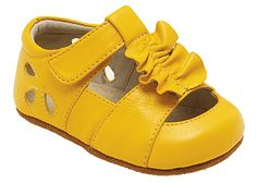 See Kai Run Tiana. I'm tempted to buy these just in case there is a girl child in the family someday. Or maybe just for me to look at whenever I want. Baby Girl Shoes, My Baby Girl, Baby Love, Girls Shoes, Fashion Kids, Little Girl Fashion, Baby Yellow, Mellow Yellow, Baby Sandals