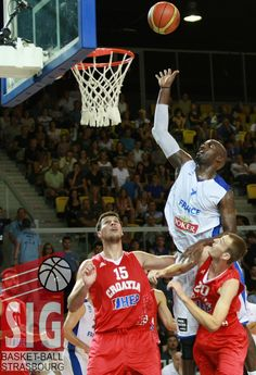 Johan Petro au rebond Strasbourg, Tournoi, 2013, Basketball Court, Sports, Croatia, Hs Sports, Sport