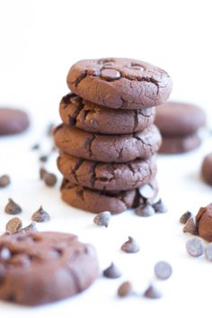 This Gluten Free Chocolate Chunk Cookies are very delicious, chewy and soft inside.